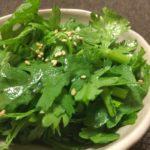 生でおいしい!春菊のサラダ【農家のレシピ帳】