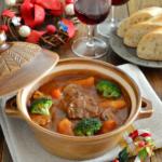 絶品!牛スネ肉のビーフシチュー。野菜たっぷり。クリスマスに♪【農家のレシピ帳】