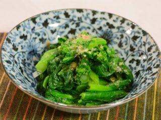 定番!菜の花のからし和え。小松菜の菜の花で、和風の副菜。【農家のレシピ帳】