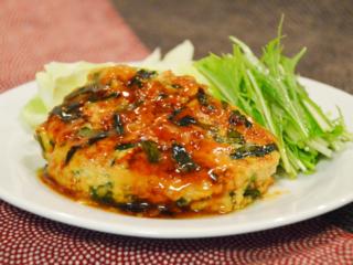 ニラと豆腐のあんかけハンバーグ。鶏ひき肉で和風のおかず。【農家のレシピ帳】