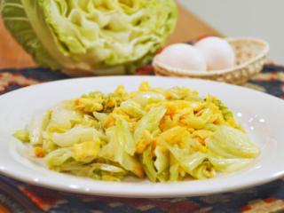 キャベツと卵の中華炒め。肉なしでも満足の節約おかず!【農家のレシピ帳】