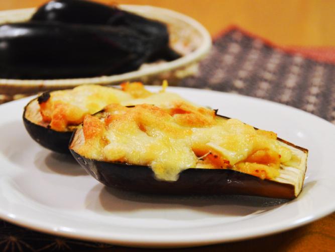 トマト ナス チーズ 焼き の と とっても簡単!茄子とトマトの重ねチーズ焼き♪ レシピ・作り方