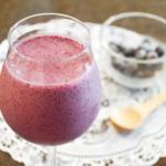 簡単!ブルーベリースムージー。ヨーグルト&豆乳入り。【農家のレシピ帳】