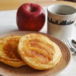 焼きりんごのホットケーキ。簡単りんごケーキみたい!【農家のレシピ帳】