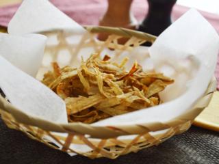 揚げない!ごぼうチップス。オーブンでパリパリに焼いておやつに♪【農家のレシピ帳】