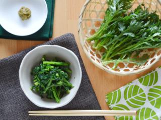 春菊のゆずこしょう炒め。ゆずこしょうだけでこんなにおいしい!【農家のレシピ帳】