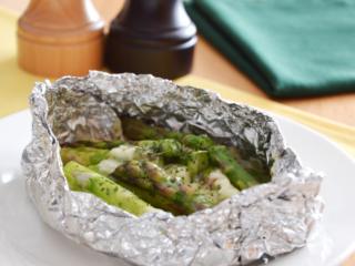 アスパラとチーズのホイル焼き。フライパンで簡単♪旬の副菜。【農家のレシピ帳】