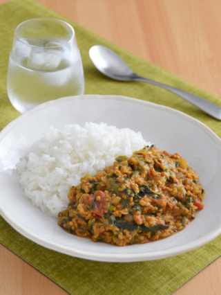 フライパンで!ほうれん草のキーマカレー。煮込み不要♪【農家のレシピ帳】