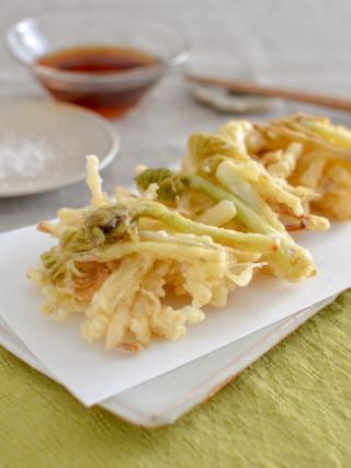 うどのかき揚げ。春のおかず、おつまみに♪天ぷら粉なし。【農家のレシピ帳】